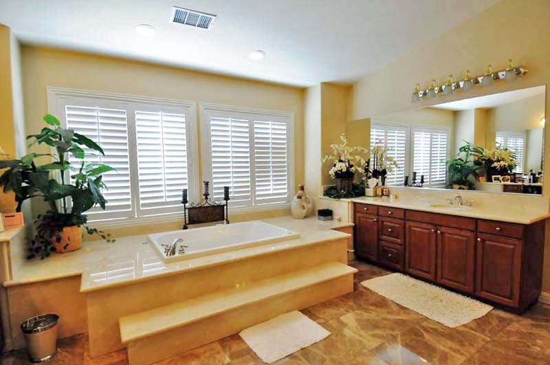Los angeles bath remodel los angeles general contractors for Los angeles bathroom remodeling contractor